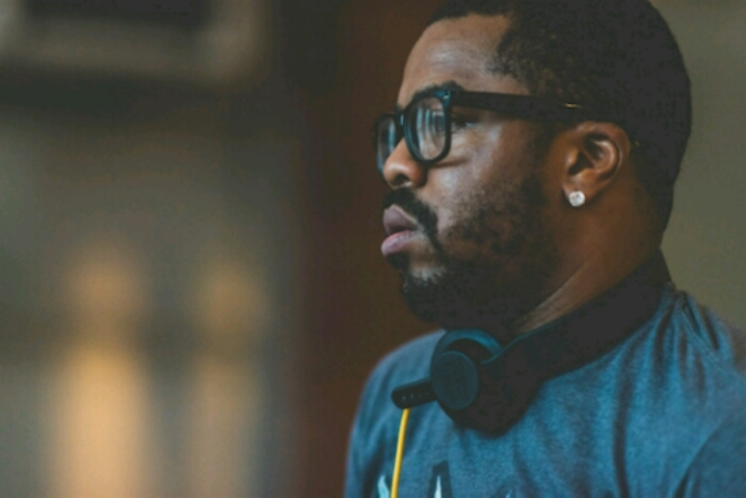 """Just Blaze Plays Unheard Jay Z, Kanye & More On Q-Tip's """"Abstract Radio"""""""