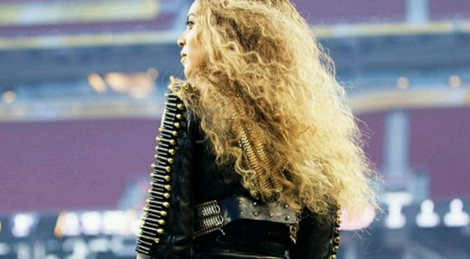 Beyonce Turns Up With Fans
