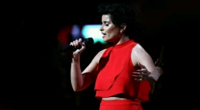 "Nelly Furtado Sings ""Canadian National Anthem"" At NBA All-Star Game In Toronto"