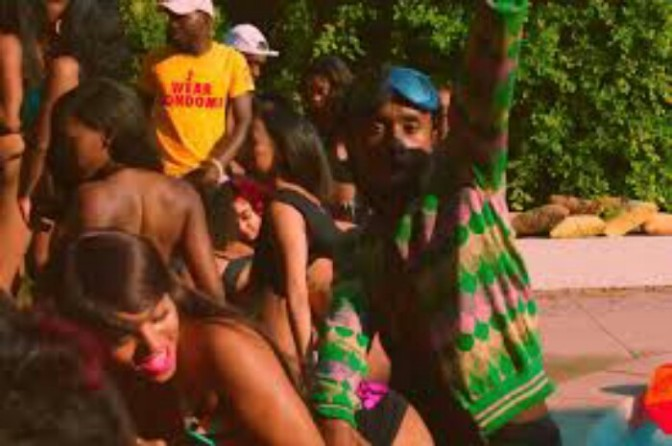 "(Video) Rae Sremmurd Feat. Juicy J ""Shake It Fast"""