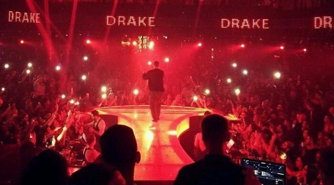 "Drake Performs ""One Dance"" In Dubai"