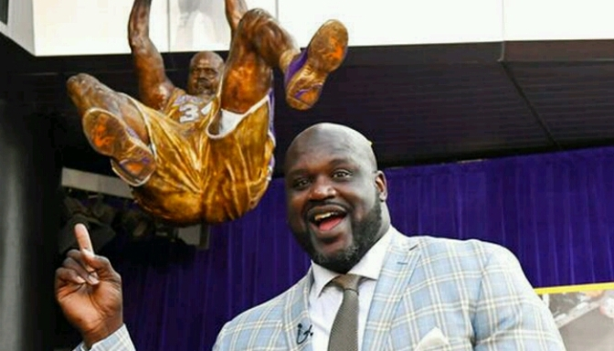 Lakers Unveil Shaq Statue at Staples Center