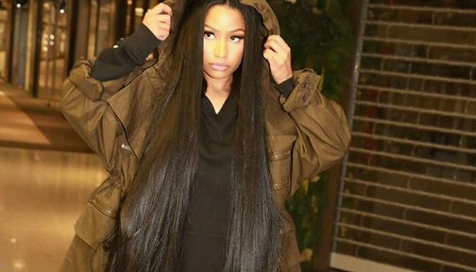 "Nicki Minaj Encourages Young Women To ""Never Settle"""