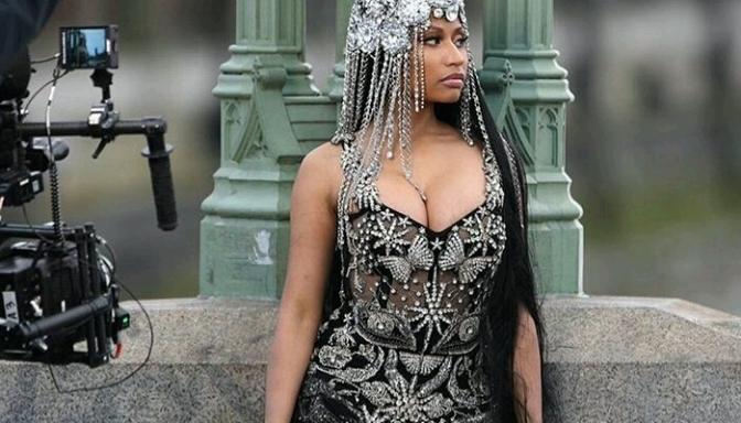 "BTS of Nicki Minaj's ""No Frauds"" Video"