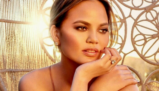 Chrissy Teigen Announces Collaboration with BECCA Cosmetics