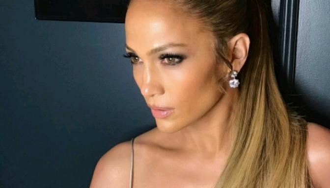 Jennifer Lopez Looking Good as Always