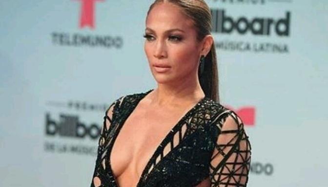 Jennifer Lopez Slays the Latin Billboard Music Awards