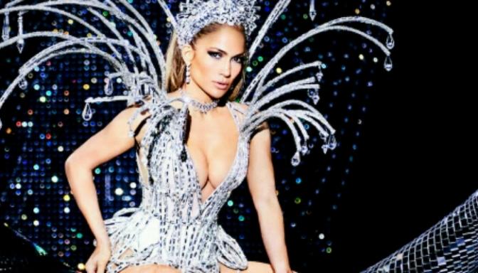 """Jennifer Lopez Covers Paper's """"Las Vegas"""" Issue"""