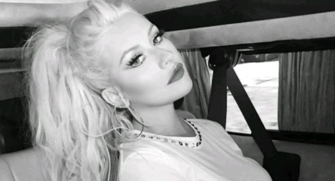 Christina Aguilera to Honor Whitney Houston at AMAs