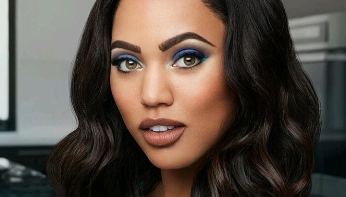 Ayesha Curry & Issa Rae Star In COVERGIRL Ad #IAmWhatIMakeUp