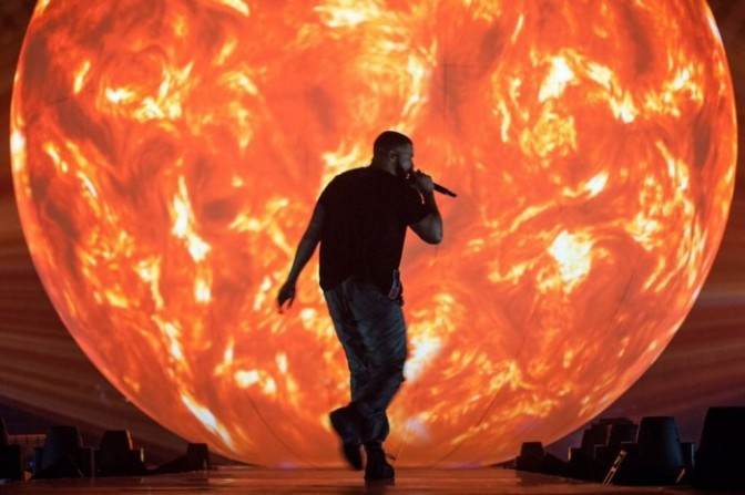 Drake Performs NEW Song In Auckland