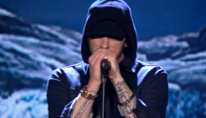 "Eminem Performs ""Walk On Water"" On MTV EMAs"