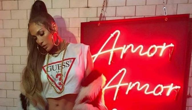 """(Video) Jennifer Lopez """"Amor Amor Amor"""""""