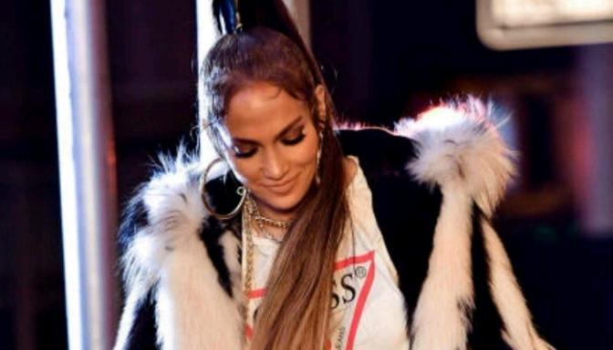 """BTS of Jennifer Lopez's """"Amor Amor Amor"""" Video"""