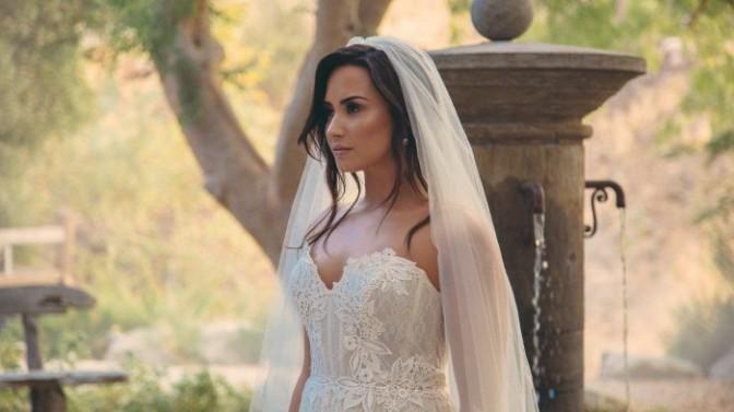 "(Video) Demi Lovato ""Tell Me You Love Me"""