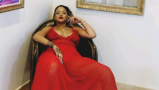 """Checkout ALL 14 Shades Of Rihanna's """"Mattemoiselle"""""""
