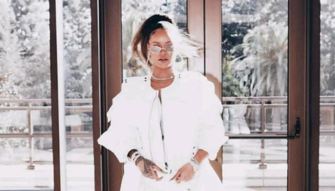Rihanna Performs at TDE's 4th Annual Holiday Party