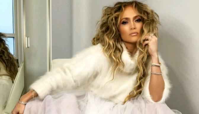 Jennifer Lopez Is Gucci Gang