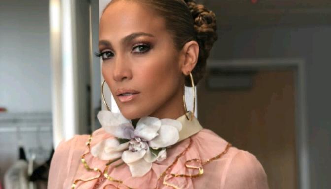 Jennifer Lopez Slaying In Gucci