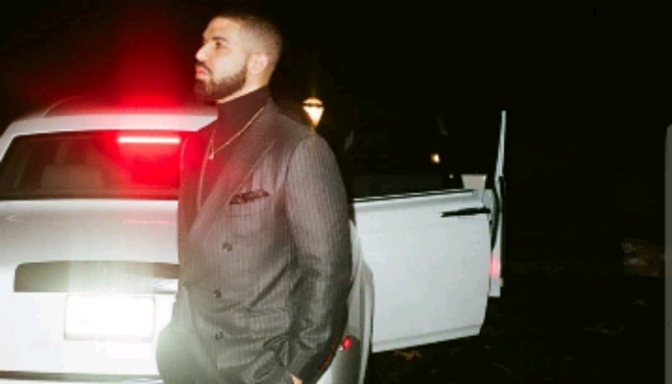 Drake Becomes 1st Artist To Hit #1 on the Billboard Hot 100 Solely From Streams