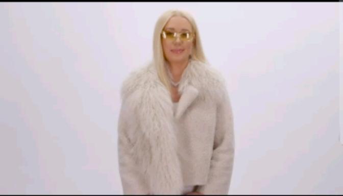"Iggy Azalea Talks About Her NEW Single ""Savior"""