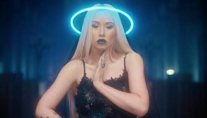 "(Video) Iggy Azalea Feat. Quavo ""Savior"""