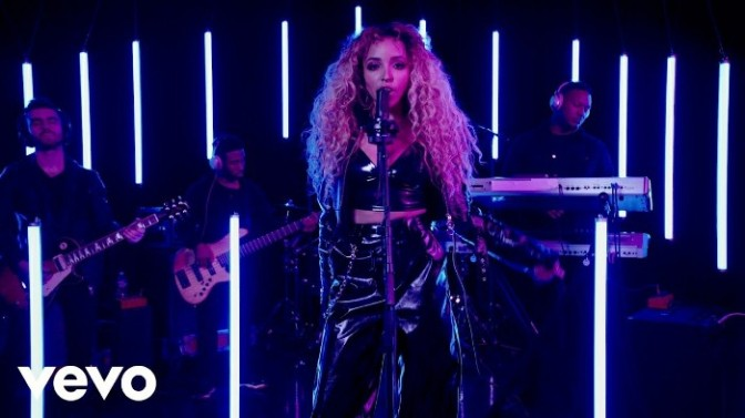 "Tinashe Performs Live On Sony's ""Lost In Music"" Session"