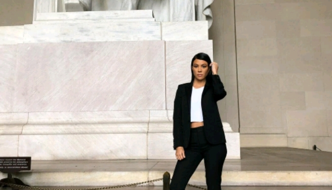 Kourtney Kardashian Visits Capitol Hill