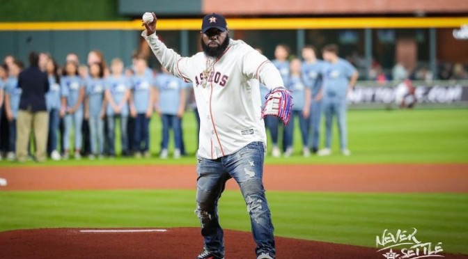 Trae Tha Truth Tosses Out First Pitch at Astros Game