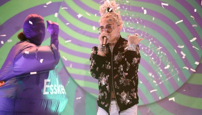 """Lil Pump Performs """"Esskeetit"""" On The Tonight Show"""