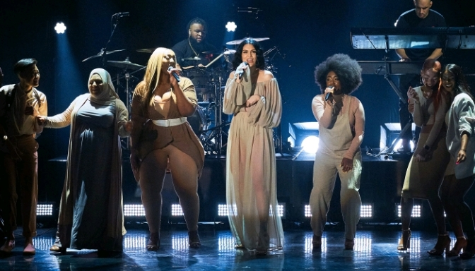 """Jessie J Performs """"Queen"""" on The Late Late Show"""