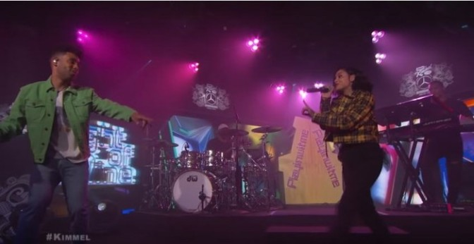"KYLE & Kehlani Perform ""Playinwitme"" On Kimmel"